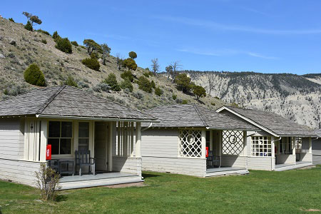 Mammoth Hot Springs Cabins